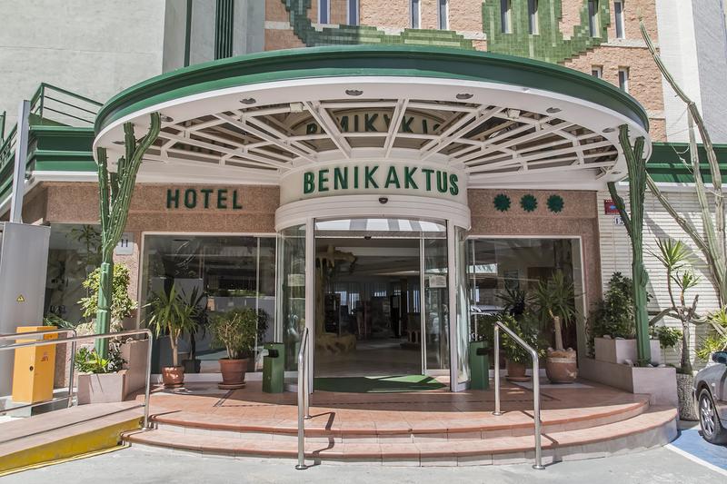 HOTEL BENIKAKTUS 13