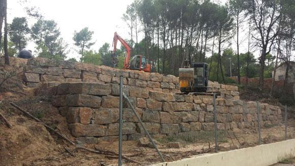 Excavaciones hermanos elj centre vallirana carrer major 337 345 local 9 excavaciones - Muros de rocalla ...
