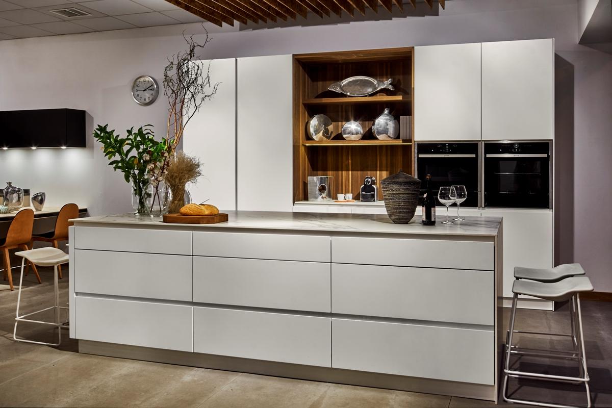 Mentha cocinas madrid comercio 1 loc muebles de for Paginas muebles