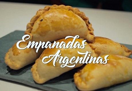 Empanadas argentinas La Cumbrecita y Pollos asados al CHIMICHURRI COCINA ARGENTINA