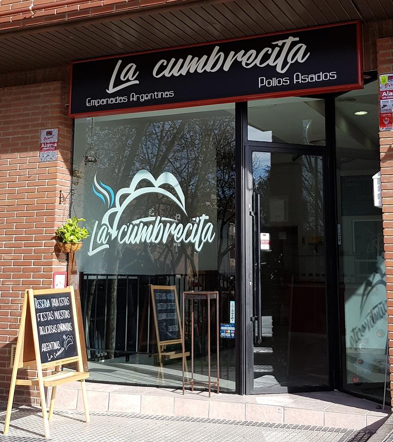 Empanadas argentinas La Cumbrecita y Pollos asados al CHIMICHURRI 2